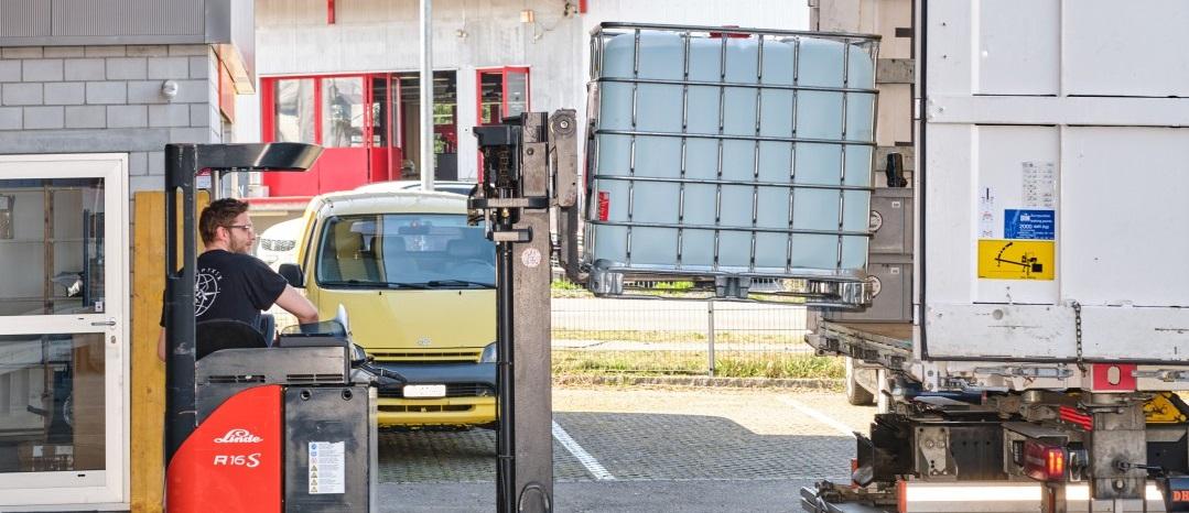 Wir spenden 1000 Liter Hand-Desinfektionsmittel an den Krisenstab des Kanton Thurgau